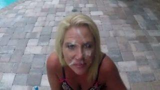 wifey vieille salope douchee au foutre