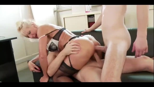 marina beaulieu en double penetration
